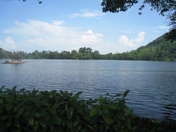 lake_apo_at_valencia_city