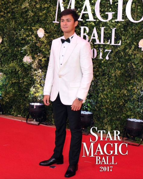 Matteo Guidicelli in another black and white look.